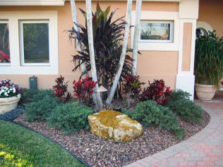 Lawn Maintenance, Hardscape Installation<br/>Davenport, FL and Clermont, FL